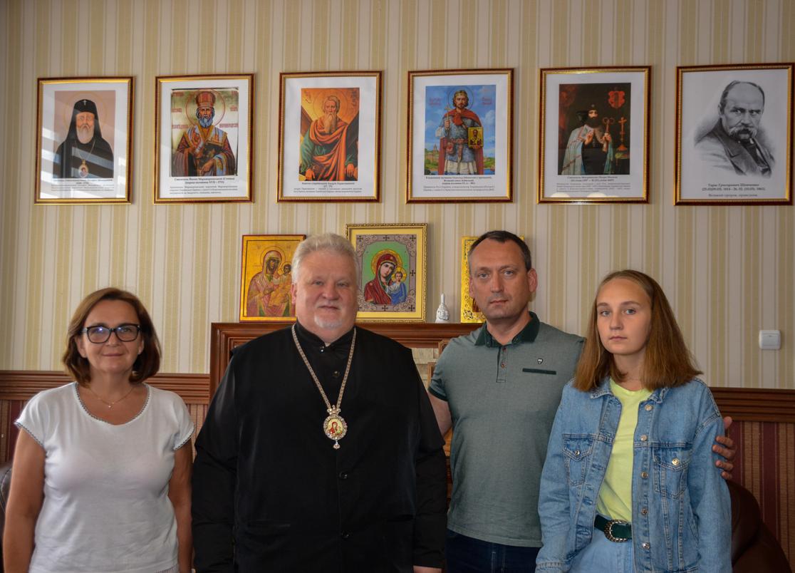Єпископ Мукачівський і Карпатський провів зустріч з Андрієм Корнатом, головою Народного Руху України