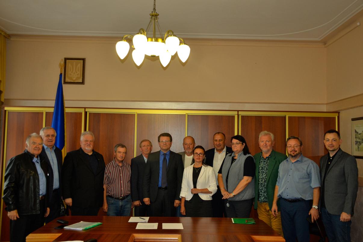 Представники Комісії з українського державотворення, духовності та борців за незалежність України прийняли участь у розширеному засіданні Президії ГР при Закарпатській ОДА