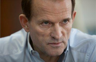 Медведчукові оголосили нову підозру в державній зраді й сприянні тероризму
